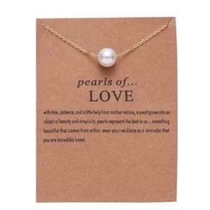 Jewelry - Pearl of Love Necklace